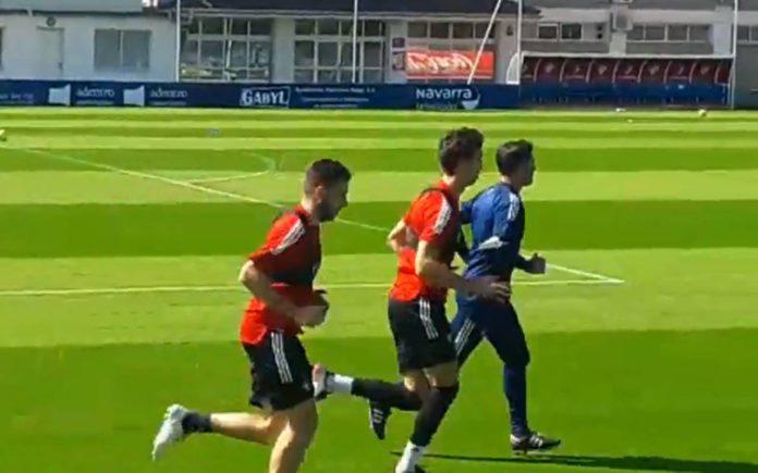 Manu Sánchez preocupa a Arrasate tras su retirada de los entrenamientos
