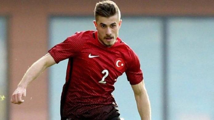 El centrocampista turco del Besiktas, Dorukhan Tokoz, en la lista de fichajes del Celta